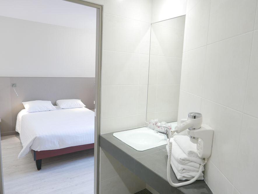hotel lille best hotel lille centre r servez en direct. Black Bedroom Furniture Sets. Home Design Ideas